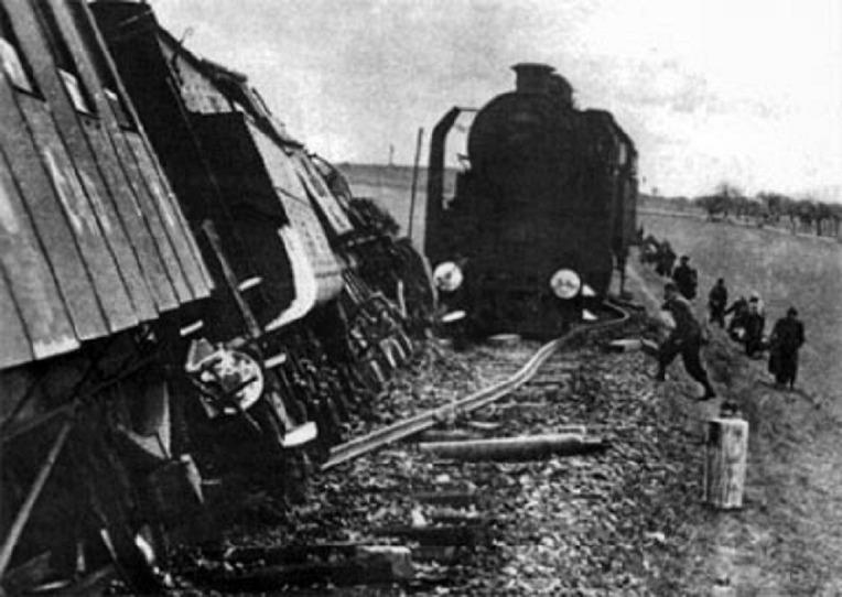 소련 빨치산의 관 - Soviet Partisan's  Coffin