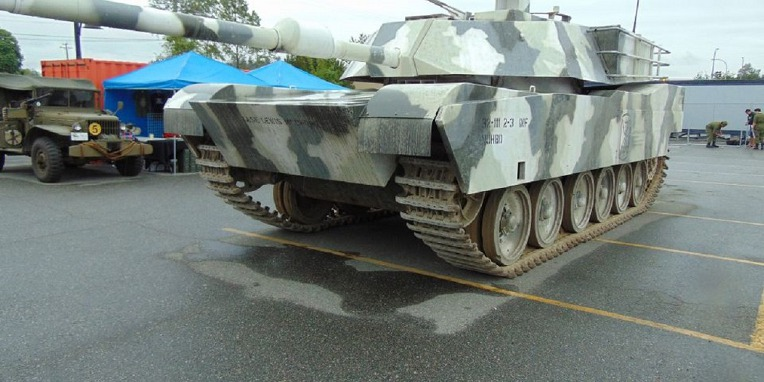 캐나다 클로버데일의 센츄리온 개조 M1 전차 Canada Cloverdale WW2 military vehicle collectors Festival M1 Abrams Tank imitation Centurion Tank