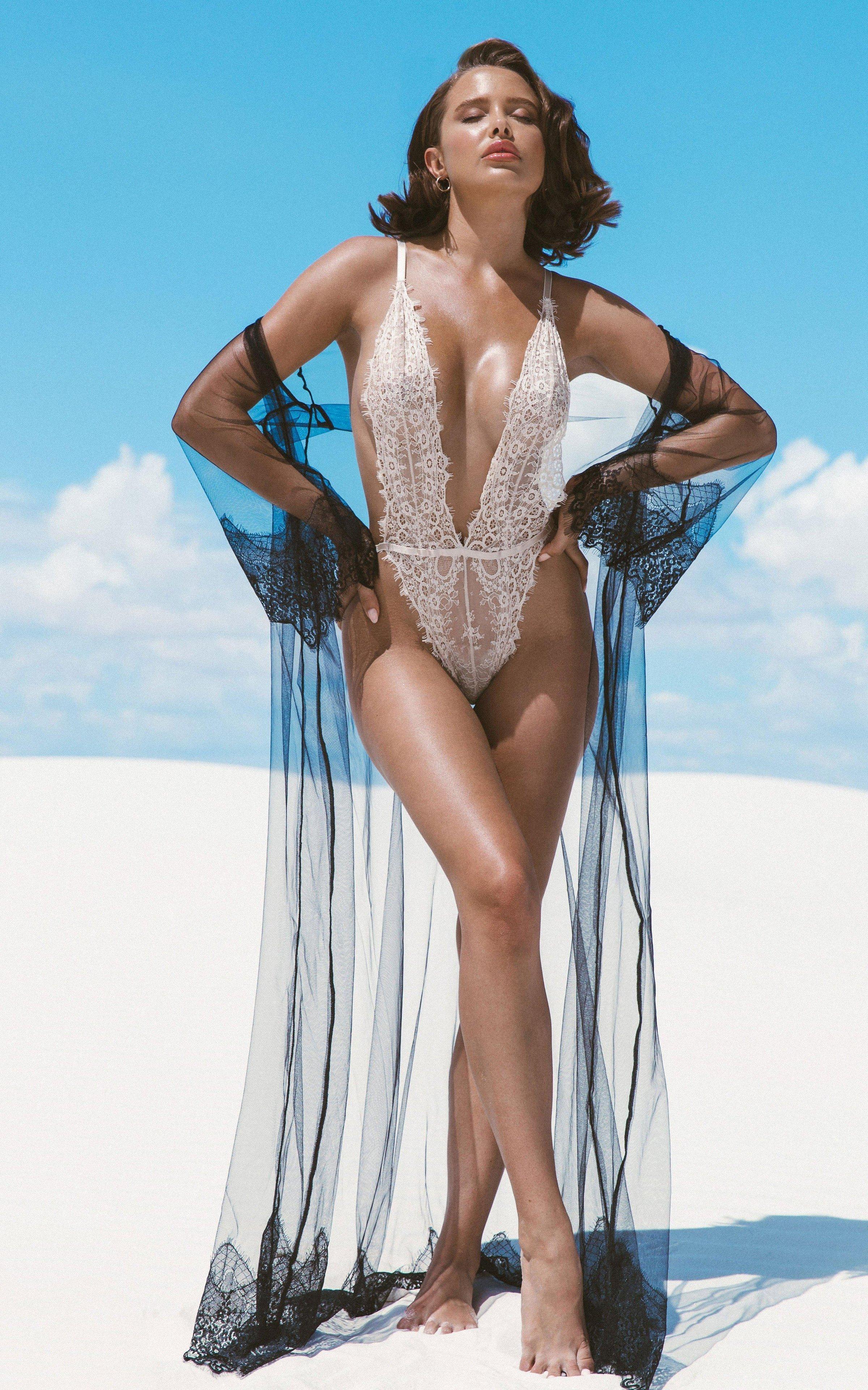 hot mood lingerie model